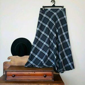FOREVER 21 Maxi Skirt Plaid Black Gray Jr's Large